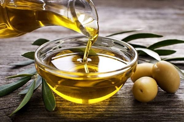 Muối biển và dầu Oliu