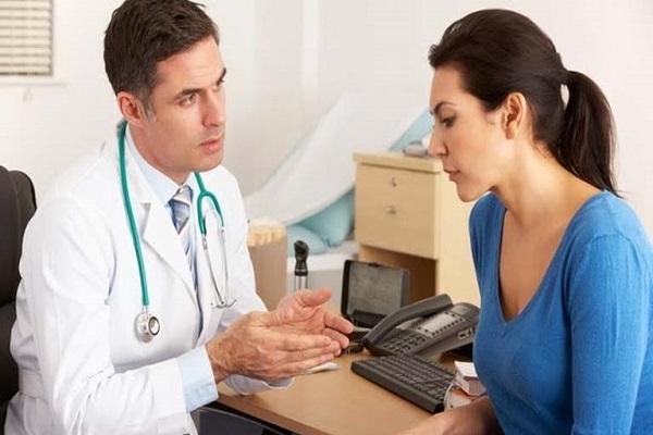 trường hợp hình xăm bị đau nhức liên tục thì cần thăm khám bác sĩ để có lời khuyên