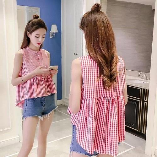 Áo Babydoll cùng quần Short Jean là set đồ trẻ trung và đầy nữ tính