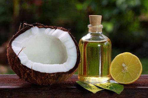Chanh và nước cốt dừa trị tóc xoăn bẩm sinh