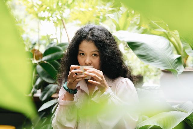 Cô nàng tóc xoăn nổi tiếng Trần Lê Ánh Tuyết