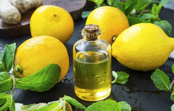 Vỏ chanh và dầu oliu là sự kết hợp tuyệt vời