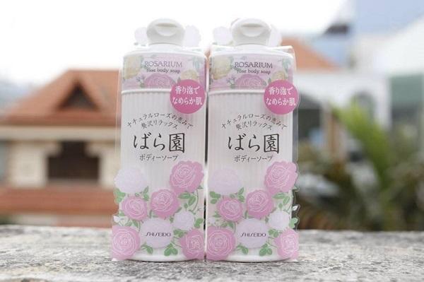 giá sữa tắm trắng nhật bản