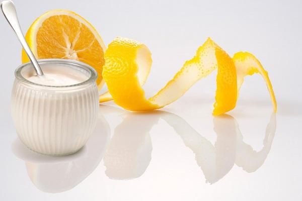 Tắm trắng bằng sữa tươi không đường và cam tươi