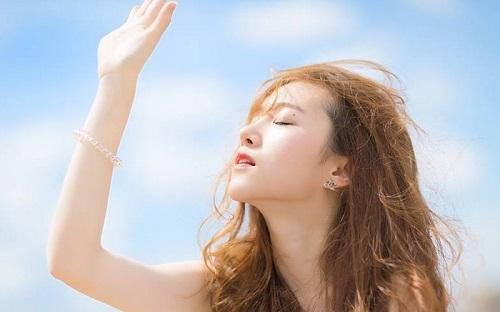 Tránh tiếp xúc trực tiếp với ánh nắng mặt trời