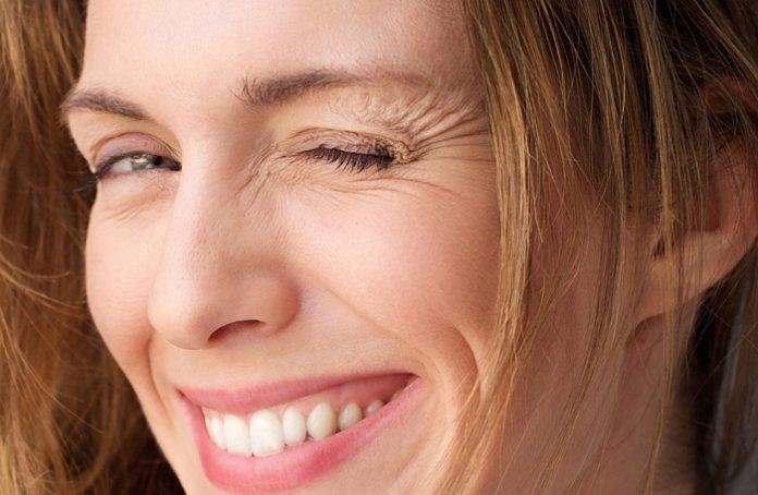 Nguyên nhân và cách xóa nếp nhăn dưới bọng mắt