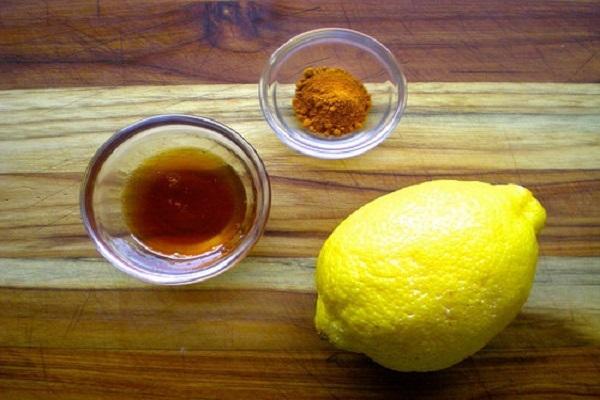 Mặt nạ tinh bột nghệ, chanh và mật ong