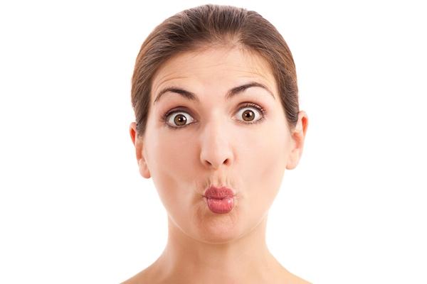 Bài tập chu môi giúp gương mặt bầu bĩnh hơn