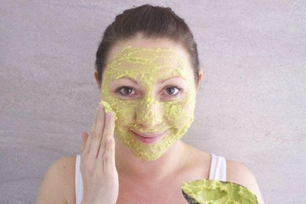 Đắp mặt nạ bơ giúp làm đẹp da hiệu quả