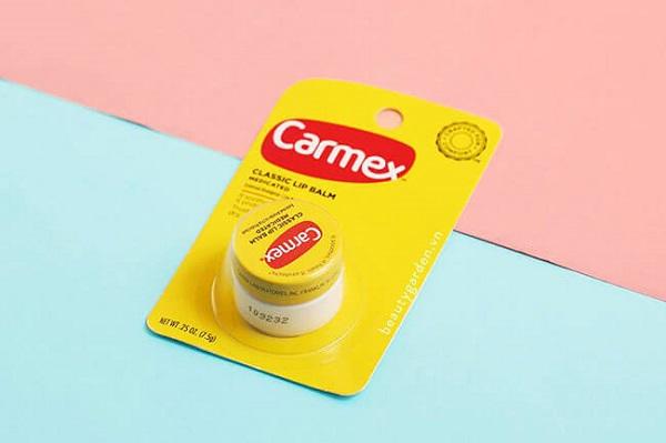 Son dưỡng môi sau khi phun Carmex