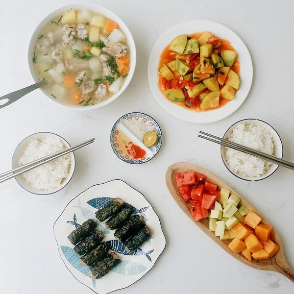 Thực đơn cơm trưa cho gia đình đầy đủ dinh dưỡng
