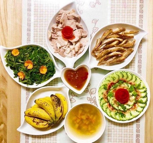 Thực đơn cơm trưa gia đình 10