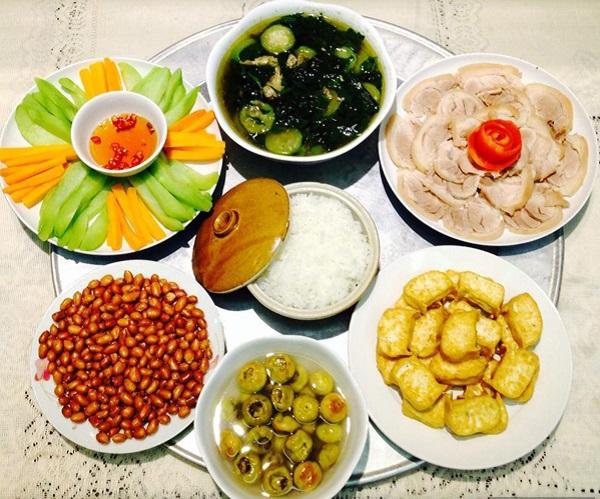 Thực đơn cơm trưa gia đình 3