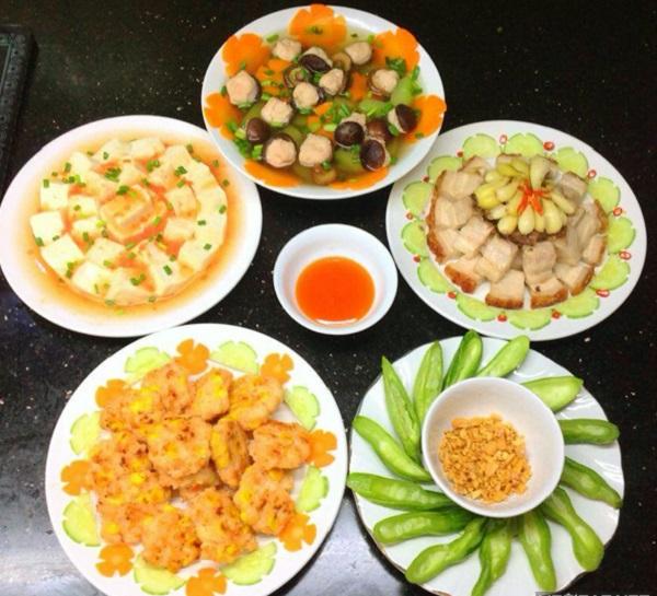 Thực đơn cơm trưa gia đình 4
