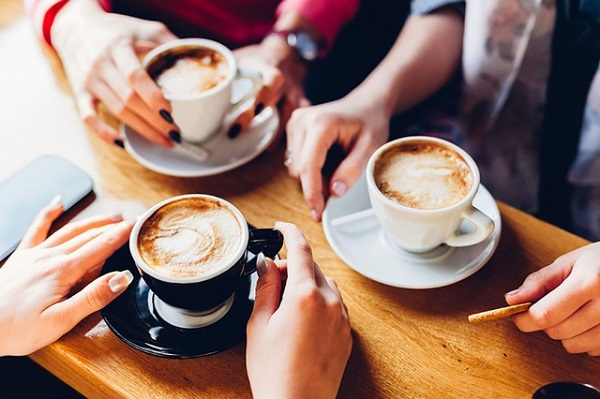 Đồ uống chứa Caffeine