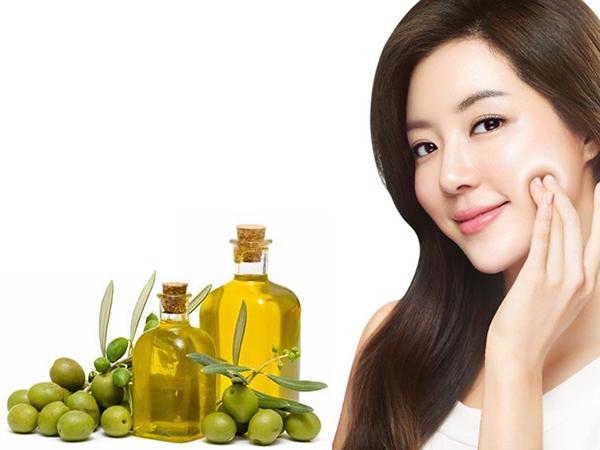 Mặt nạ dưỡng da đơn giản từ dầu oliu