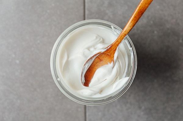 Mặt nạ sữa chua và cám gạo giúp tẩy da chết