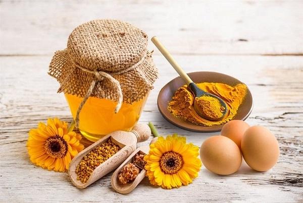 Mặt nạ nghệ mật ong trứng gà
