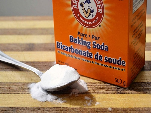 Tẩy da chết môi bằng Baking soda