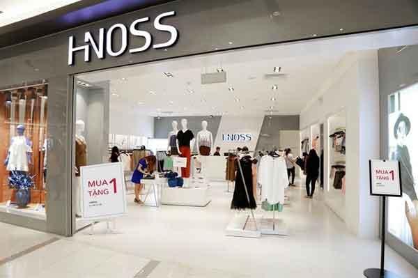 Hnoss cũng có thiết kế nữ tính, sexy, độc đáo và trẻ trung