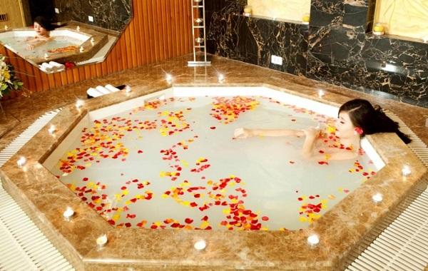 Tắm trắng Collagen ở thẩm mỹ viện Xuân Hương