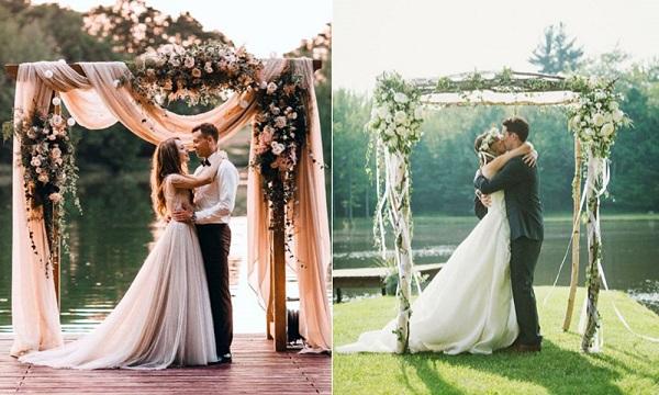 Mẫu cổng cưới bằng khung gỗ