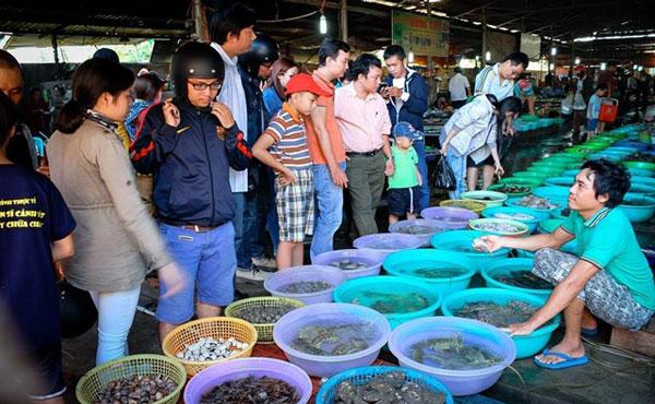 Chợ hải sản Hàng Dương
