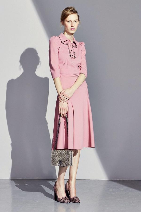 Đi đám cưới nên mặc váy màu rose pastel