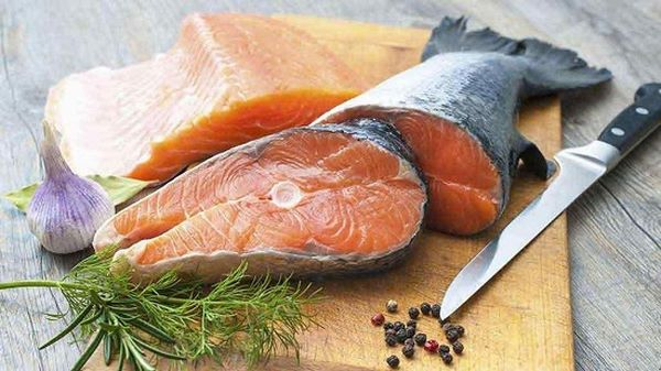 Đồ ăn chống lão hóa da bao gồm cá béo